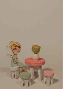 MiniMini pyöreä pöytä ja jakkarat
