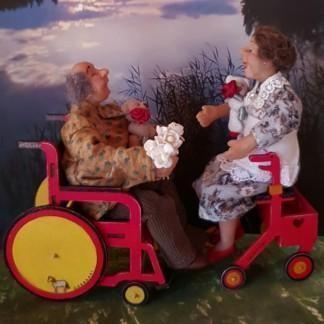 Pyörätuoli nukkekotiaskarteluun
