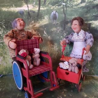 Rollaattori ja pyörätuoli