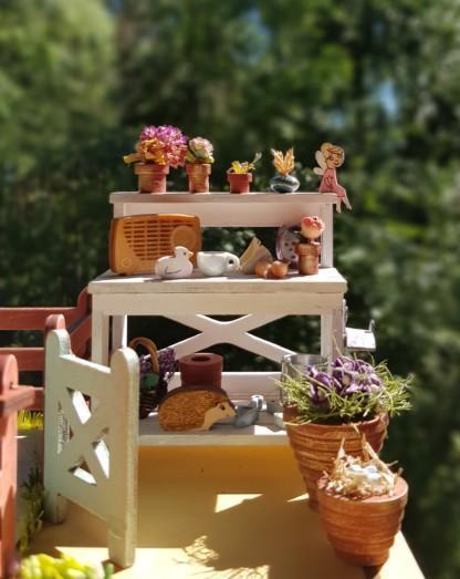 Taimipöytä kattoterassilla
