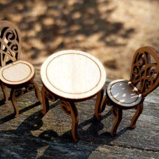 Kahvilan tuolit ja pöytä
